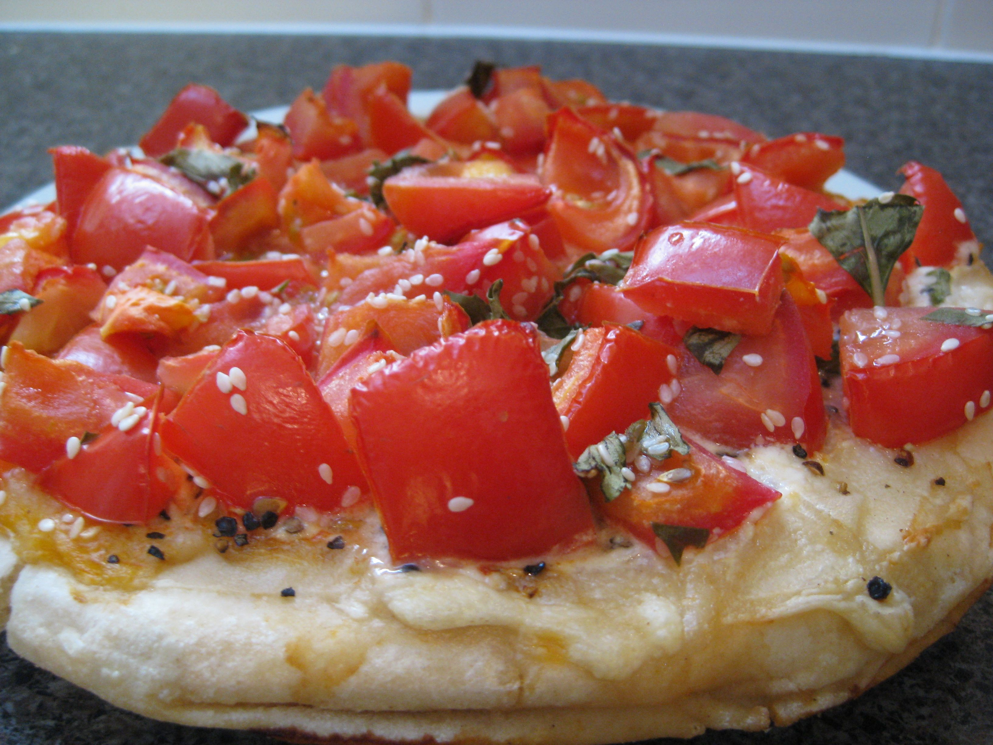 Meatless mondays pizzas mediterranean satay spinach and pine nuts mediterranean pizza forumfinder Gallery