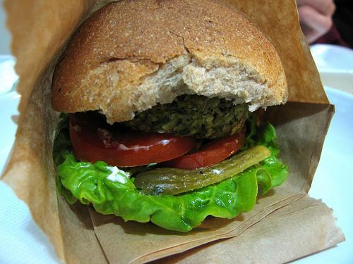 Veggie burger Credit Peanut99 cc by 2.0