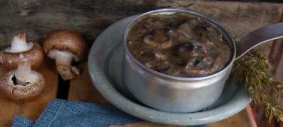 Mushroom Gravy with Herbs
