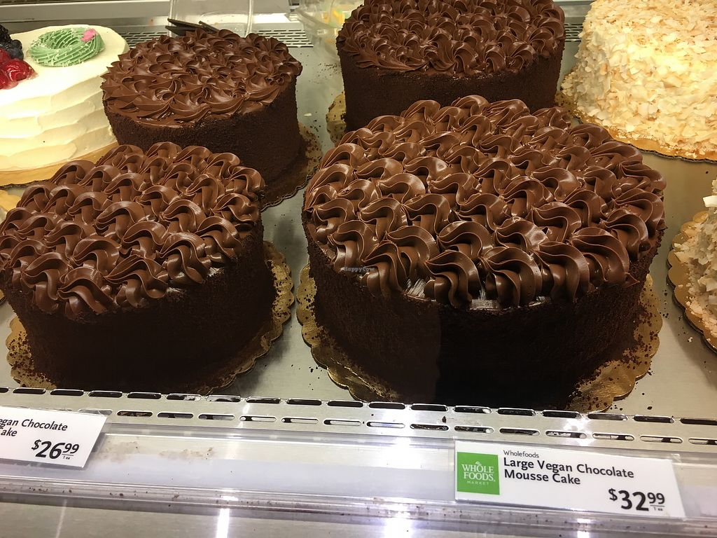 Does Whole Foods Have Bakery Section With Cakes