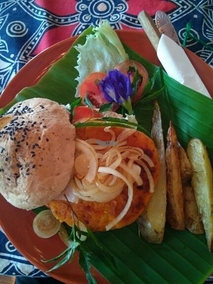 """Photo of Art in Chai  by <a href=""""/members/profile/happytina"""" class=""""title__title"""" title=""""Profile of member happytina"""">happytina</a> <br/>carrot burger  <br/> October 25, 2016  - <a href='/contact/abuse/image/50171/184335'>Report</a>"""