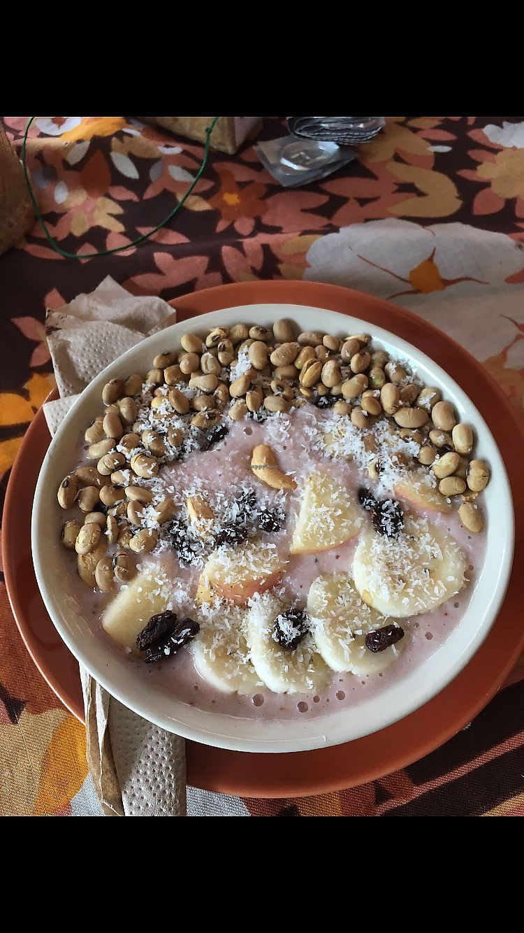 """Photo of Art in Chai  by <a href=""""/members/profile/katiechiamia"""" class=""""title__title"""" title=""""Profile of member katiechiamia"""">katiechiamia</a> <br/>Vegan Smoothie bowl  <br/> November 2, 2017  - <a href='/contact/abuse/image/50171/321042'>Report</a>"""