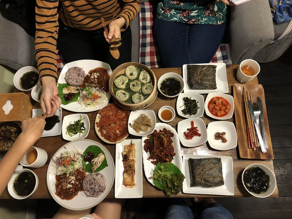 """Photo of Dajeon Cafe  by <a href=""""/members/profile/kannhamlin"""" class=""""title__title"""" title=""""Profile of member kannhamlin"""">kannhamlin</a> <br/>Nom nom! It was so nice to have a full table of vegan food!  <br/> September 15, 2018  - <a href='/contact/abuse/image/51276/466427'>Report</a>"""
