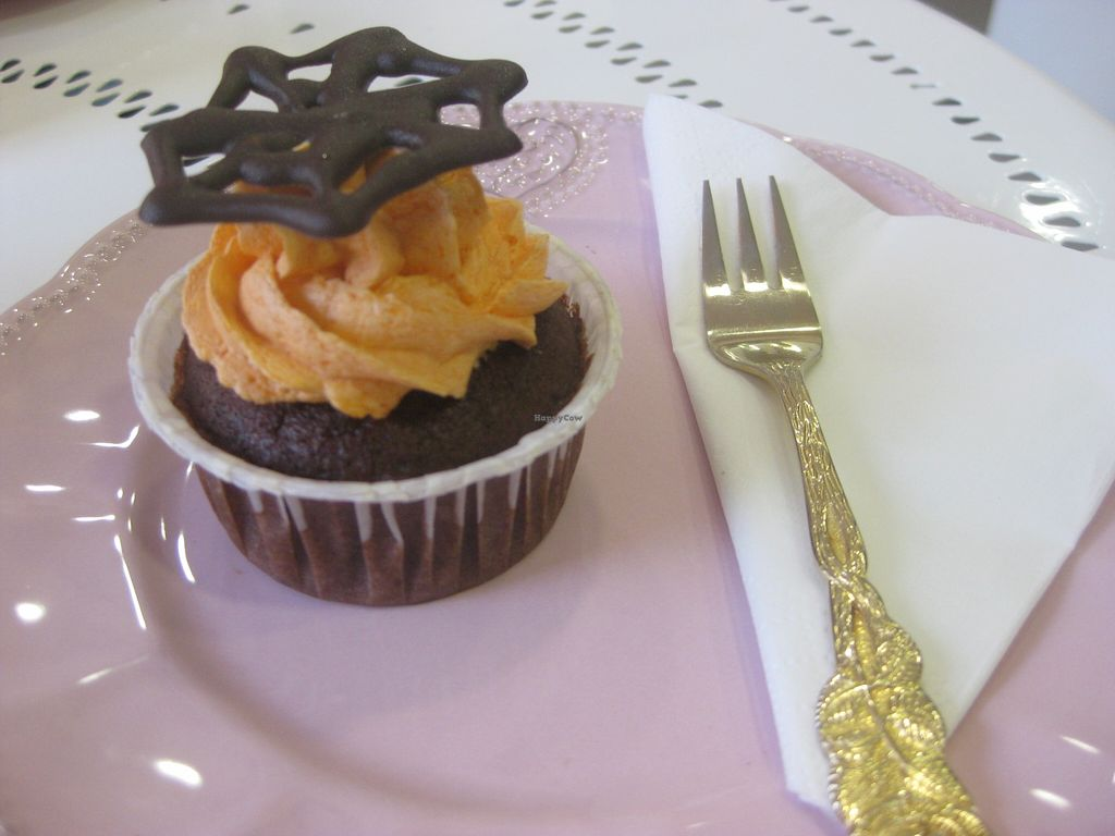 "Photo of NomNom Vegan Bakery  by <a href=""/members/profile/jennyc32"" class=""title__title"" title=""Profile of member jennyc32"">jennyc32</a> <br/>Chocolate Halloween cupcake <br/> November 3, 2015  - <a href='/contact/abuse/image/58970/123705'>Report</a>"