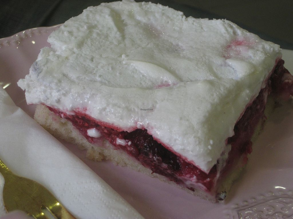 "Photo of NomNom Vegan Bakery  by <a href=""/members/profile/jennyc32"" class=""title__title"" title=""Profile of member jennyc32"">jennyc32</a> <br/>Fruity meringue slice <br/> November 3, 2015  - <a href='/contact/abuse/image/58970/123706'>Report</a>"